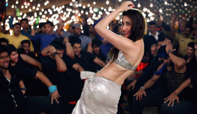 Kareena Kapoor Khan looking hot in Latest item song!