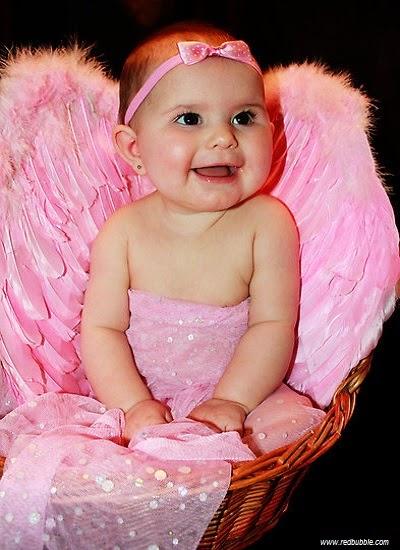 Image bébé fille très mimi en rose