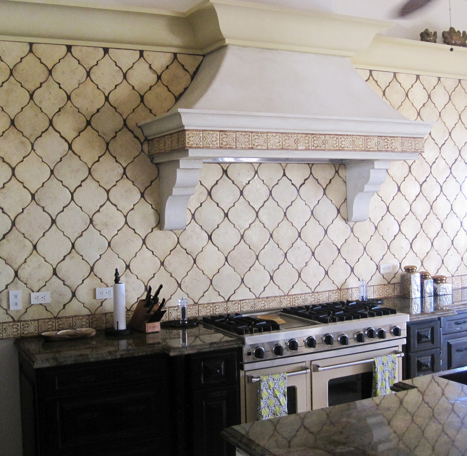 slate stove backsplash kitchen ideas html with Tile Terror on Azulejos Perfectos Para Tu Cocina Modelos Diversos likewise Brooks Custom additionally P10025478 likewise 8 Stunning Kitchen Islands b 7520488 also JVW53.