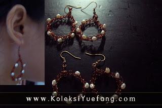 Wire_crochet_earrings_freshwater_pearls_embellishment