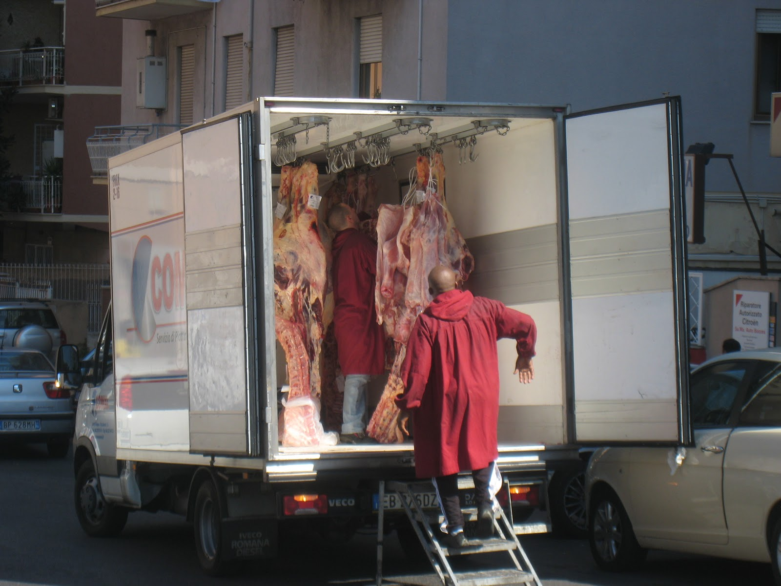 Meat Gets Delivered Everywhere But Perhaps Not So Obviously In US Cities As Rome Indeed We Cant Remember Ever Seeing A Truck Transporting