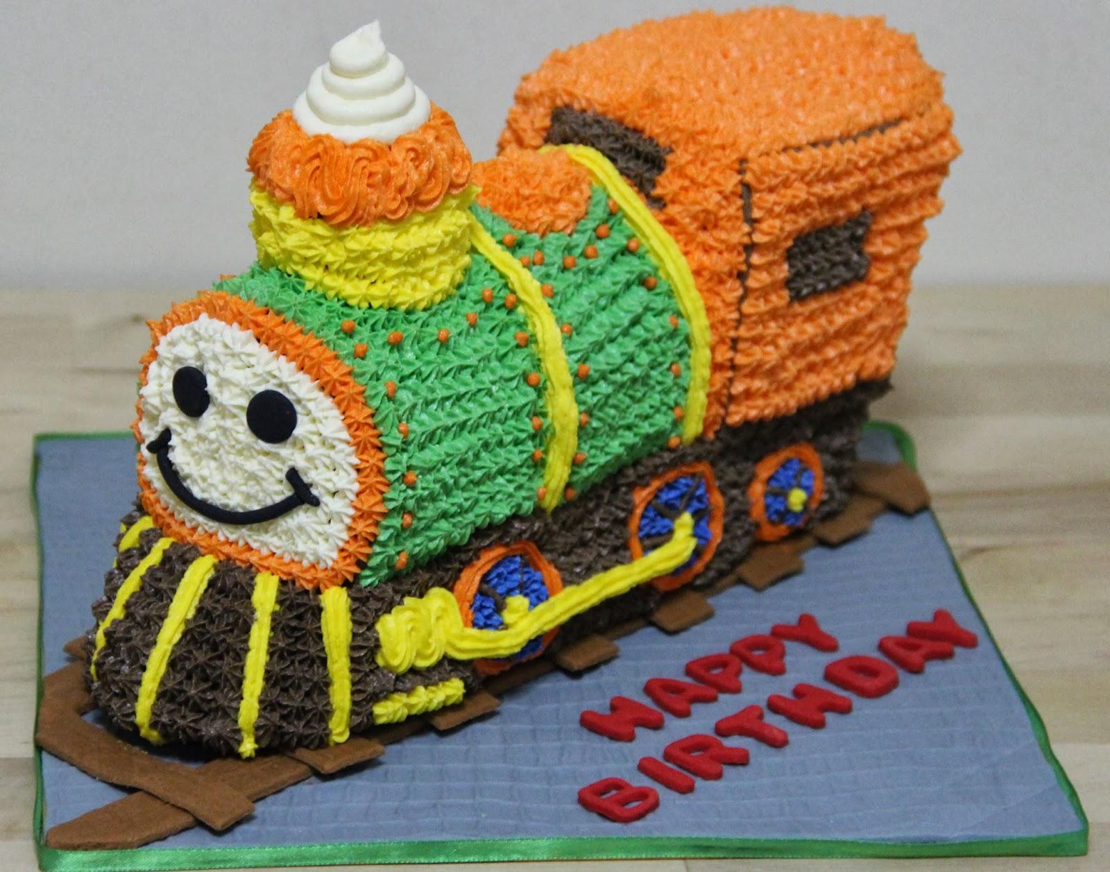 3d train cakes