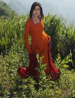 Bangladeshi film actress Mahia Mahi unseen hot picture