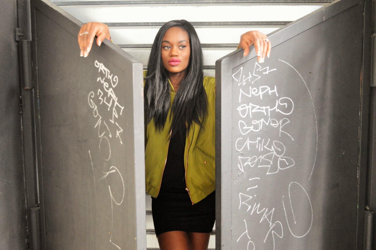 robe noire, bombers kaki, blog mode afro, blog mode