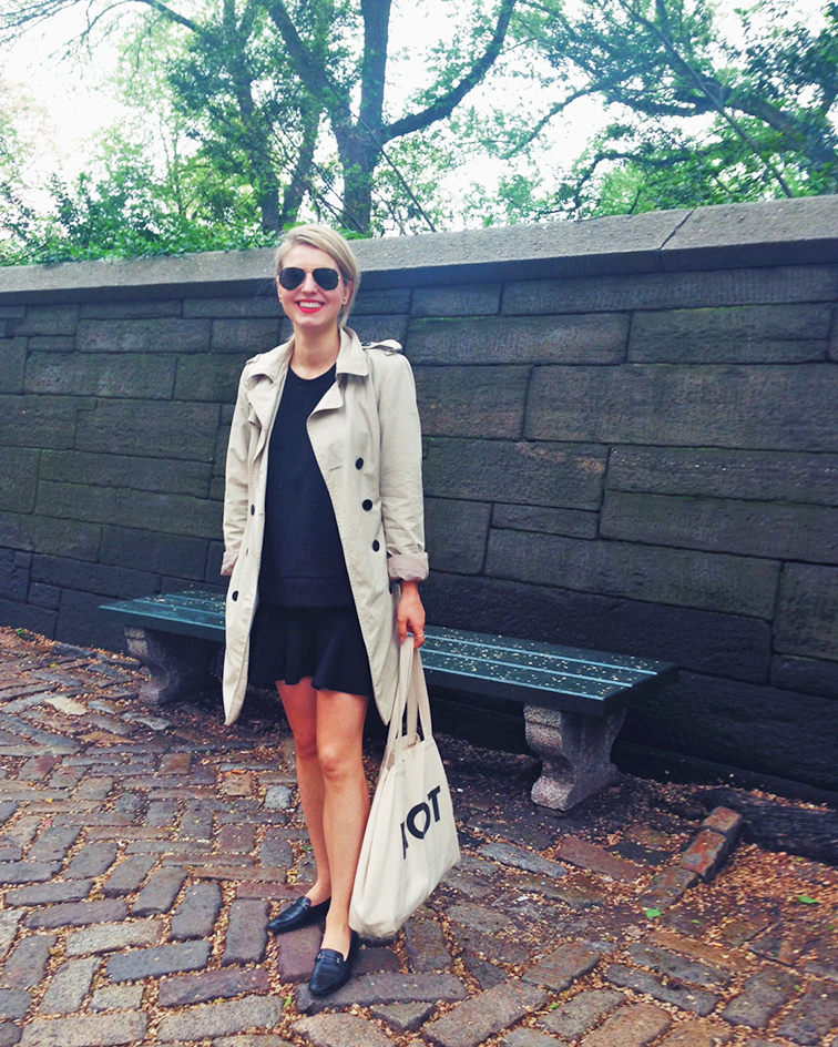 Classic pieces, Zara trench coat, Madwell boxy tee, H&M flippy skirt, Chanel leather loafers, Suburban Riot canvas tote bag, MAC Cosmetics red matte lipstick in Lady Danger, Ray-Ban aviators, Central Park East, 5th Avenue