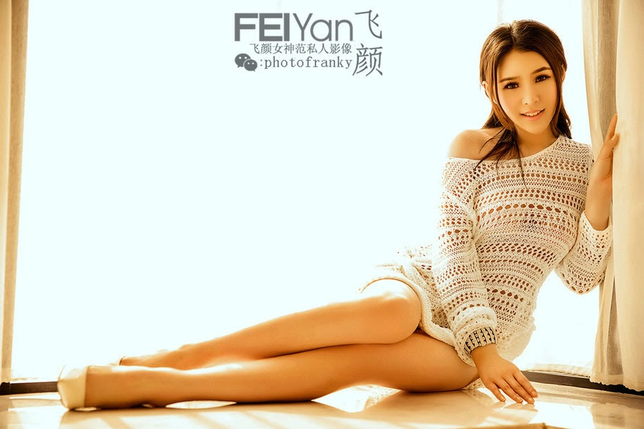 Flying Goddess Van Yen, models Yan Xin Ya Legs and Ass