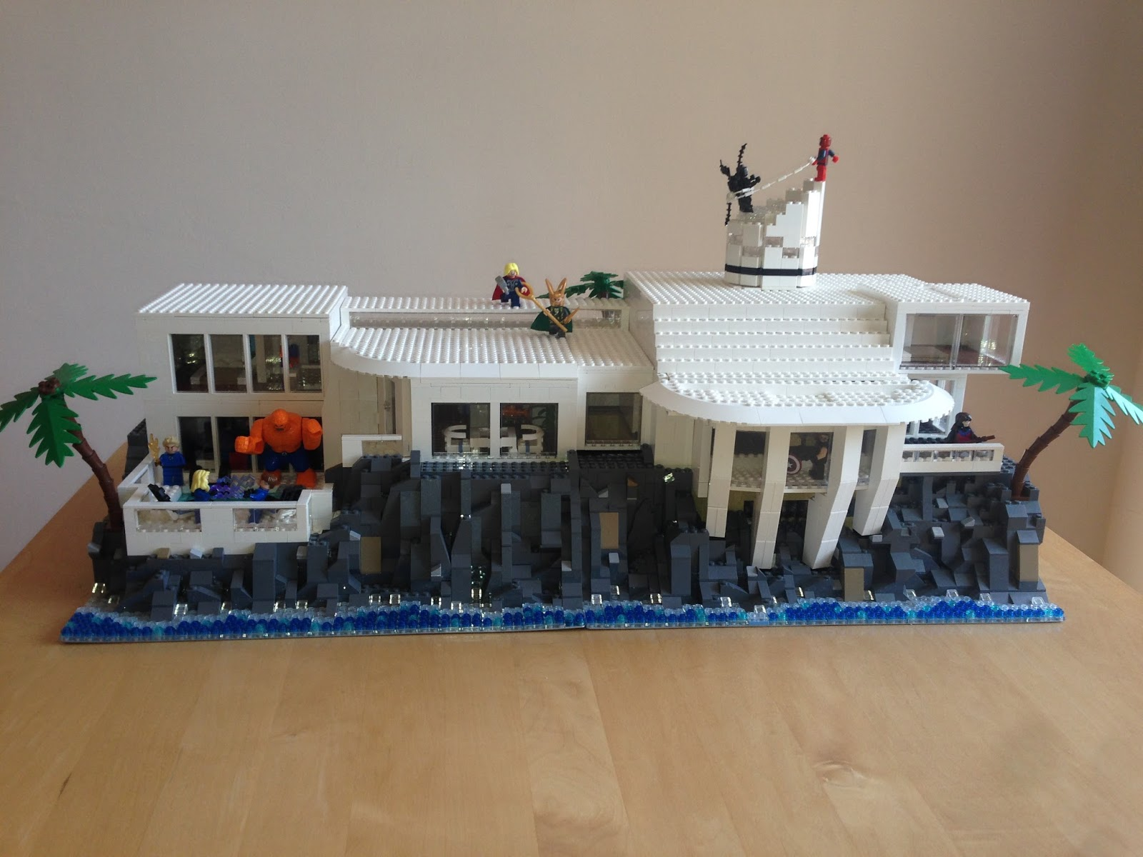Brickasaurus lego tony stark mansion moc for Maison d iron man