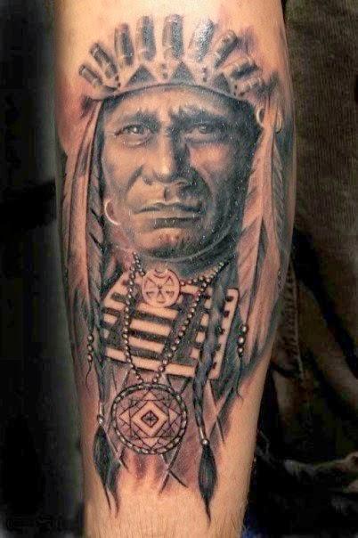Chefe dos índio com coletor de sonho