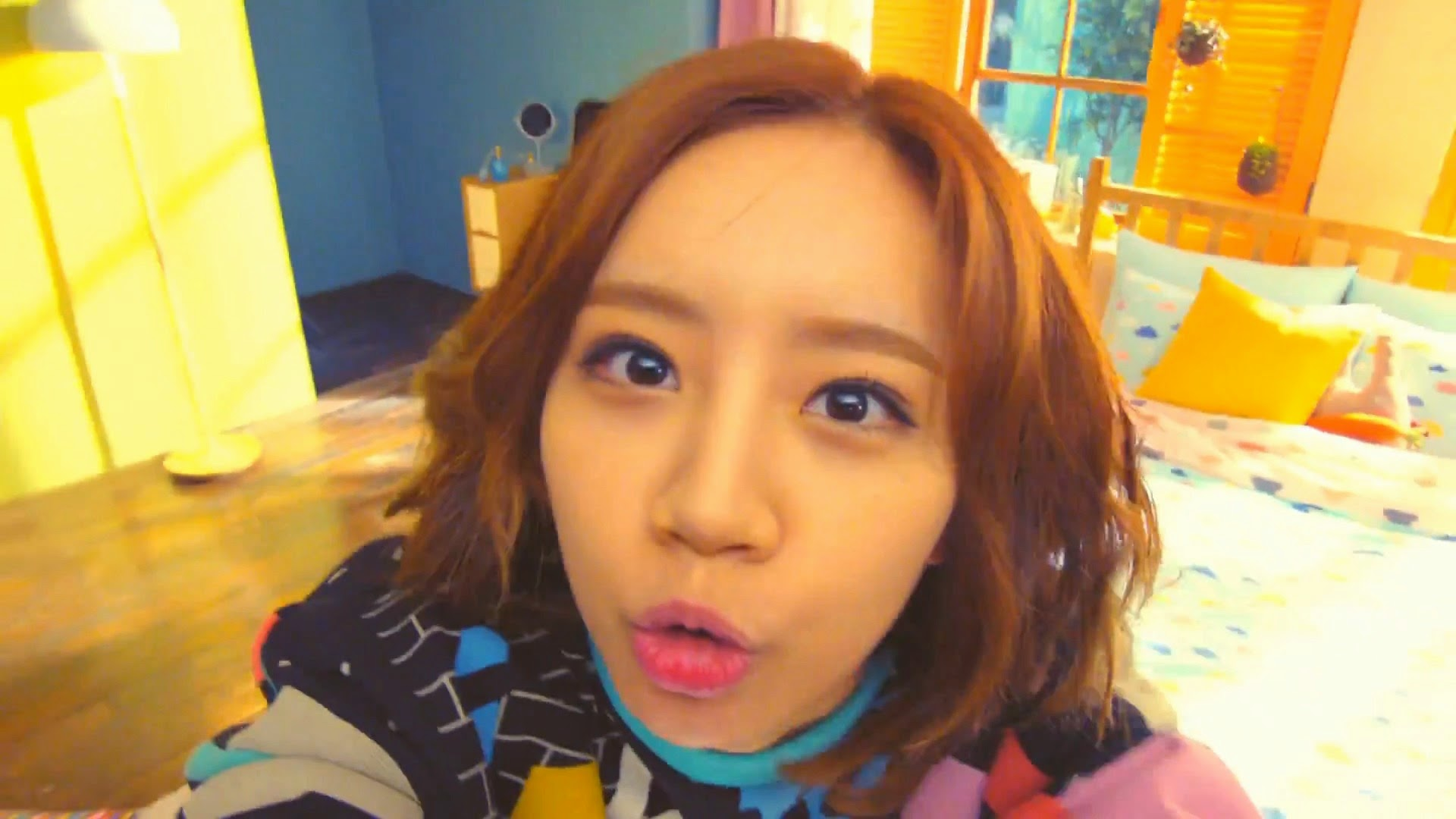 Girl's Day Hyeri in Hello Bubble MV