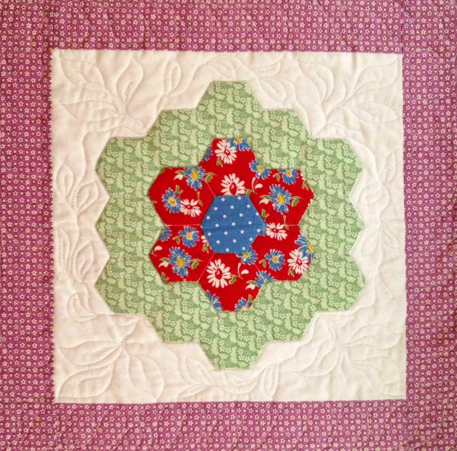 Starwood Quilter Grandmother 39 S Flower Garden Quilt Block And What 39 S On Your Nightstand