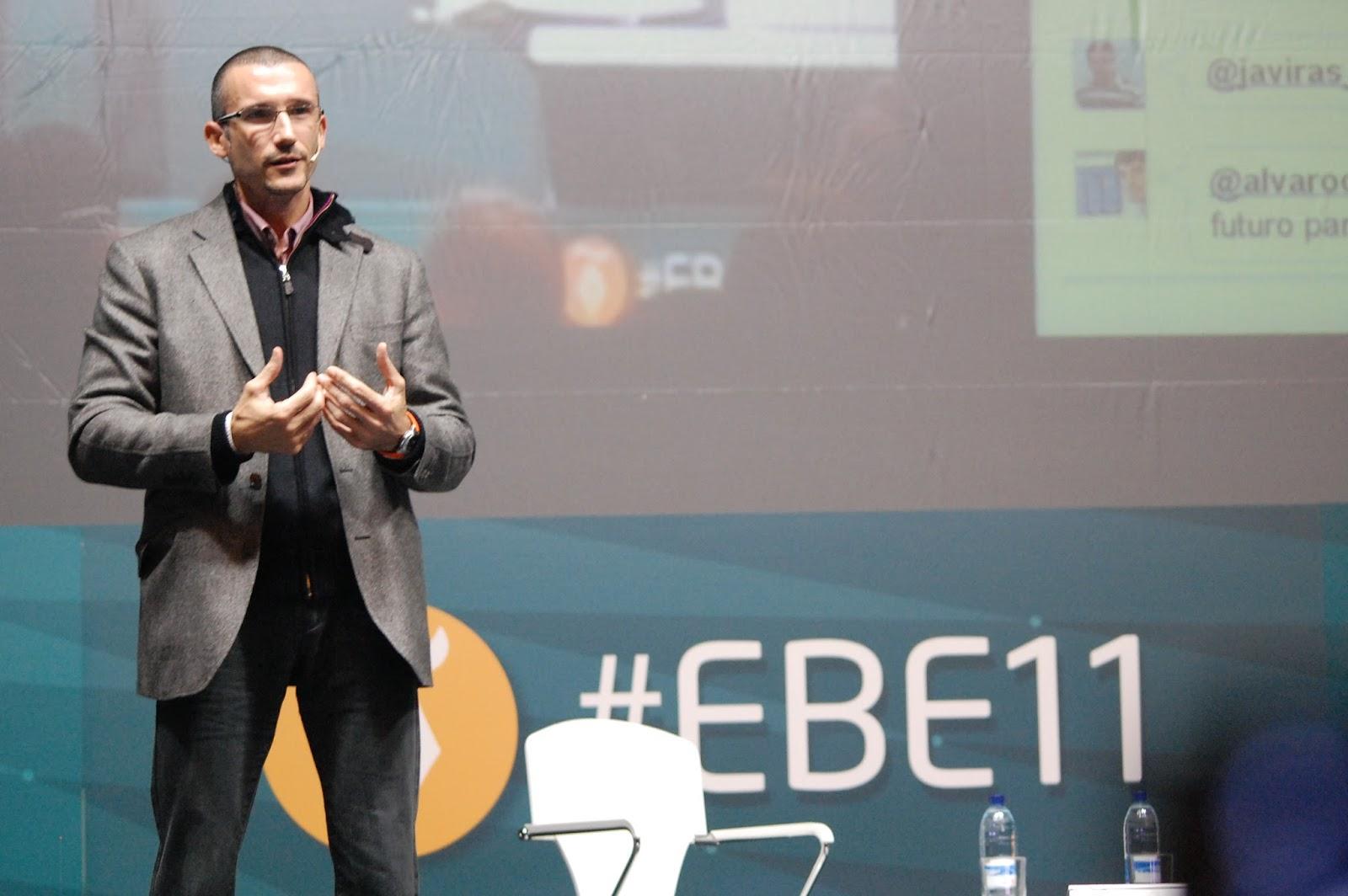 Gonzalo Álvarez durante su presentación. Foto de Carmen Jara Delgado
