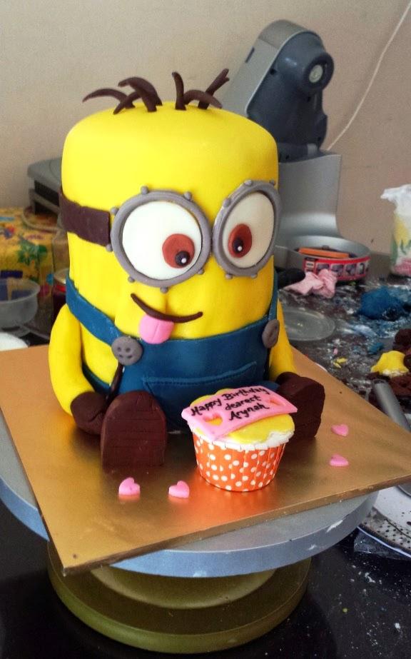 Cake Art Hours : art, cakes & me: minion cake (how to make)