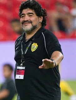 Diego Maradona fue multado en Emiratos Árabes