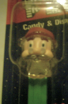 Face close up Santa PEZ 2010