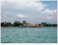 http://2.bp.blogspot.com/-fBNGyYhq1m8/TryiriCAWxI/AAAAAAAAJGQ/aAWD6d4CKdM/s1600/Pantai+Kartini+Jepara+5.JPG