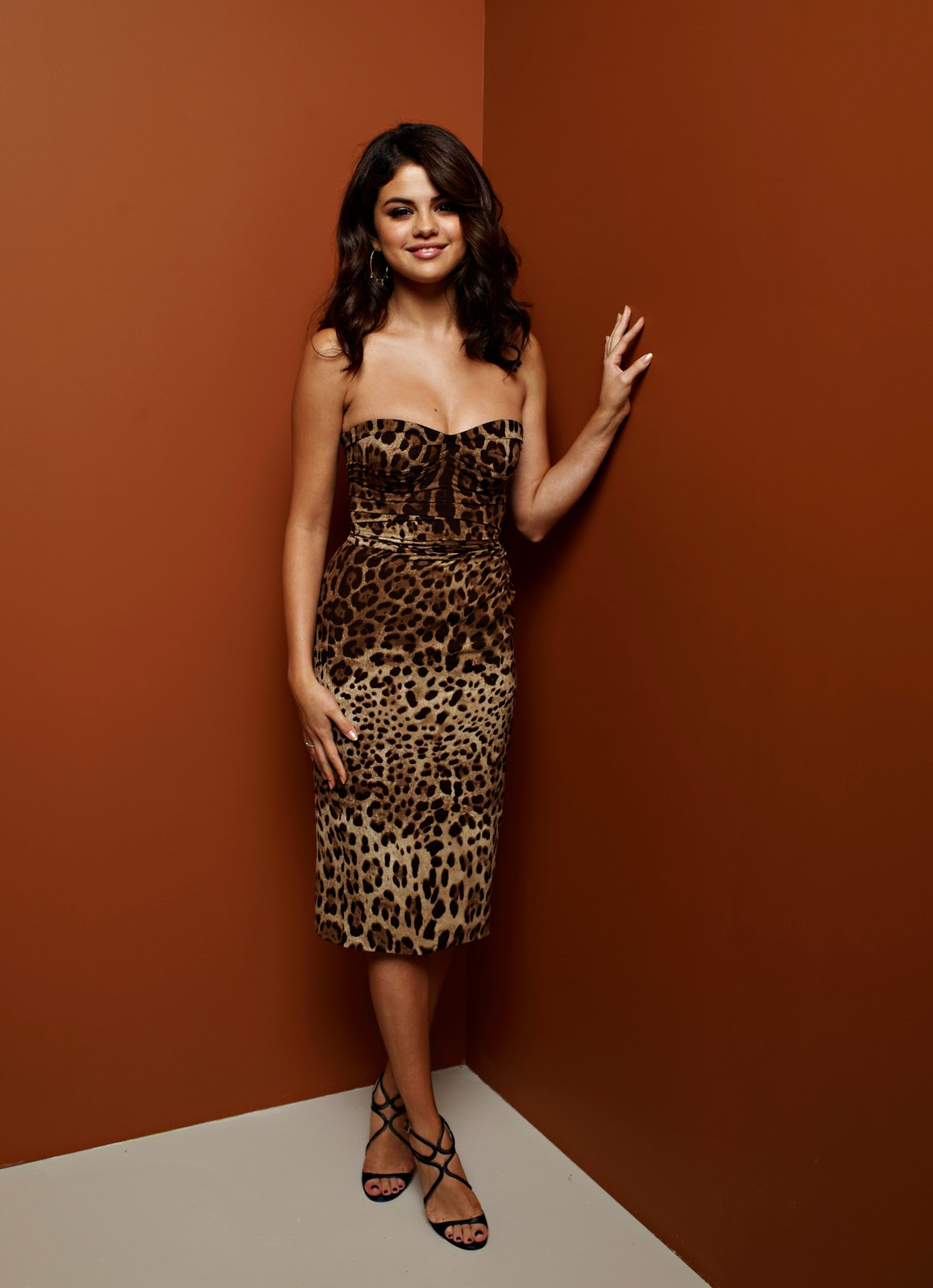 Selena gomez wallpapers and pictures 2012 selena gomez spring selena gomez spring breakers portraits at tiff toronto 972012 wallpaper voltagebd Images