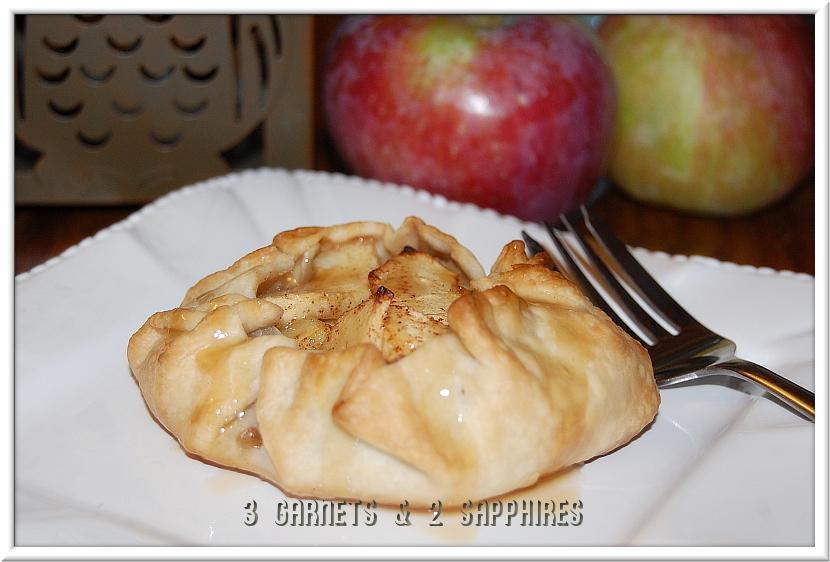 Super-Easy Mini Apple Pies (Crostatas)