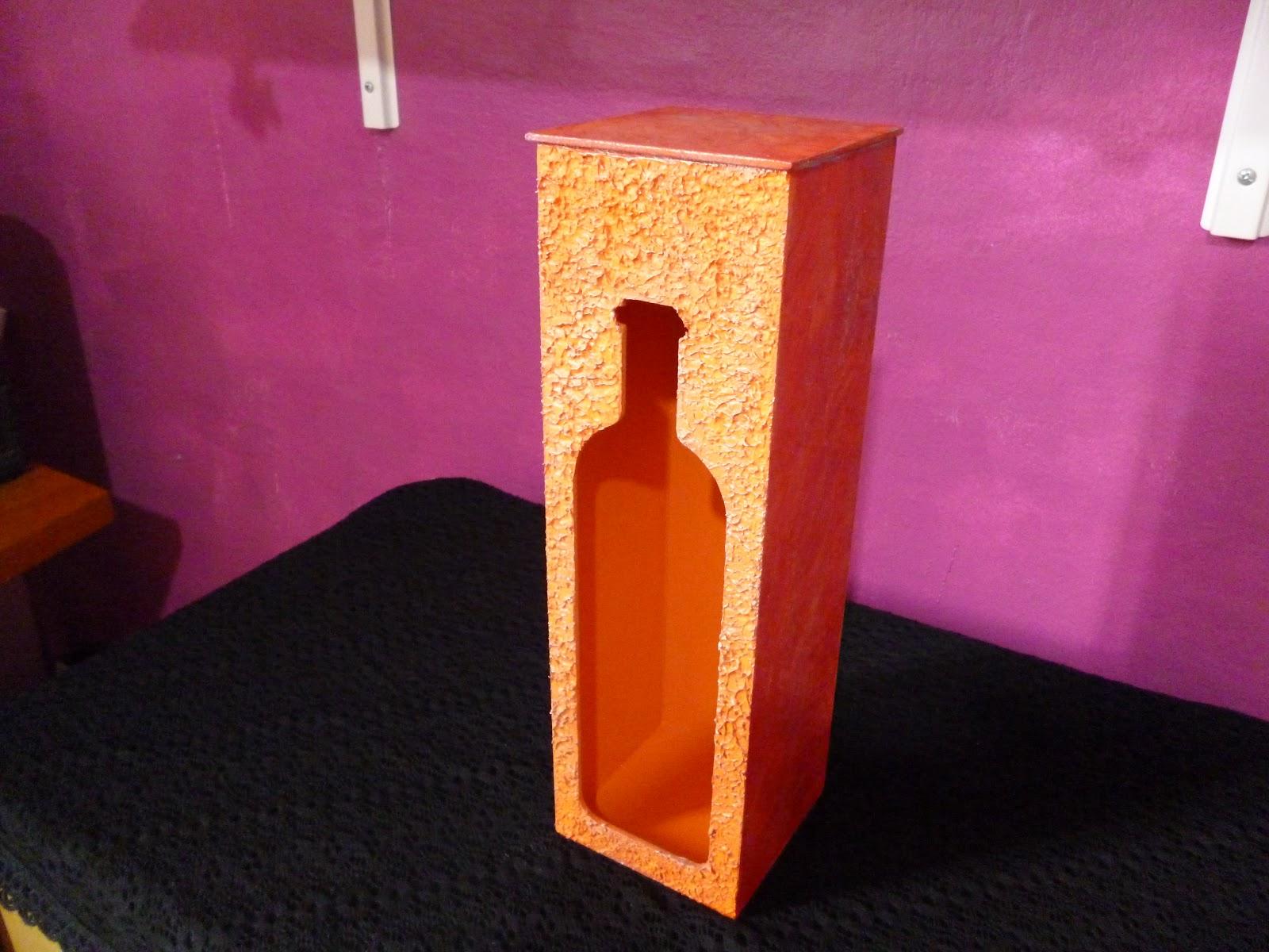 Lembrancinhas de Madeira da Glau: Caixa de vinho lembrancinha  #C46F07 1600x1200