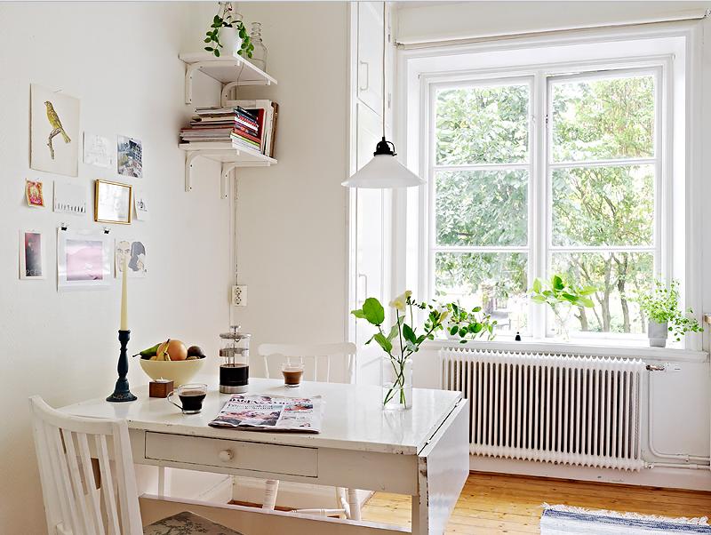 Warm deco beautiful dining corners peque os comedores for Comedores pequenos vintage