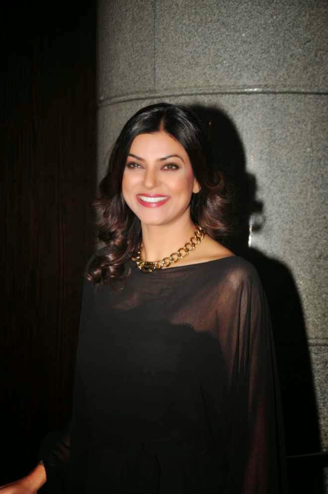 Sushmita Sen Latest Hot Black Upskirt Dress Photo