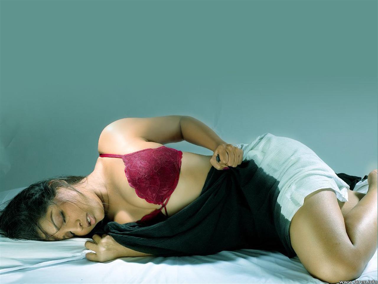 Meghna Naidu Hot