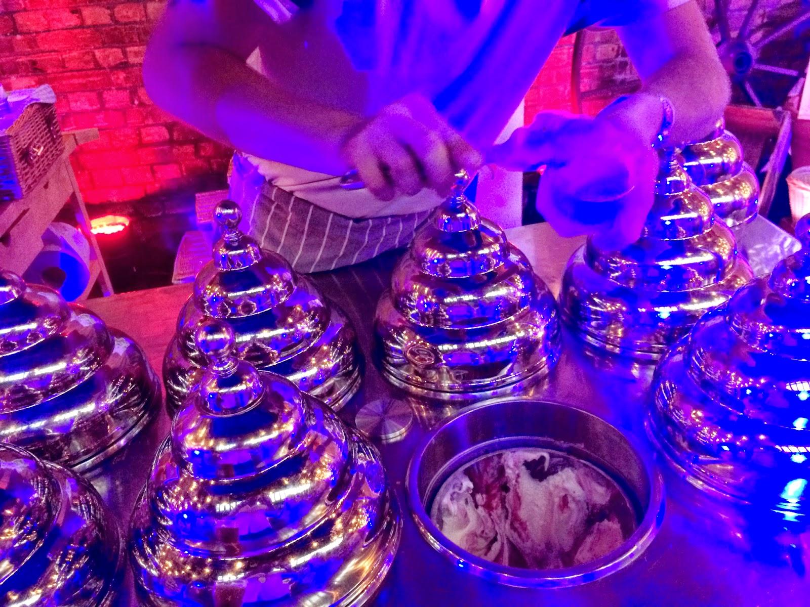 Eight different flavours of Gelupo ice cream - Moretti Gran Tour