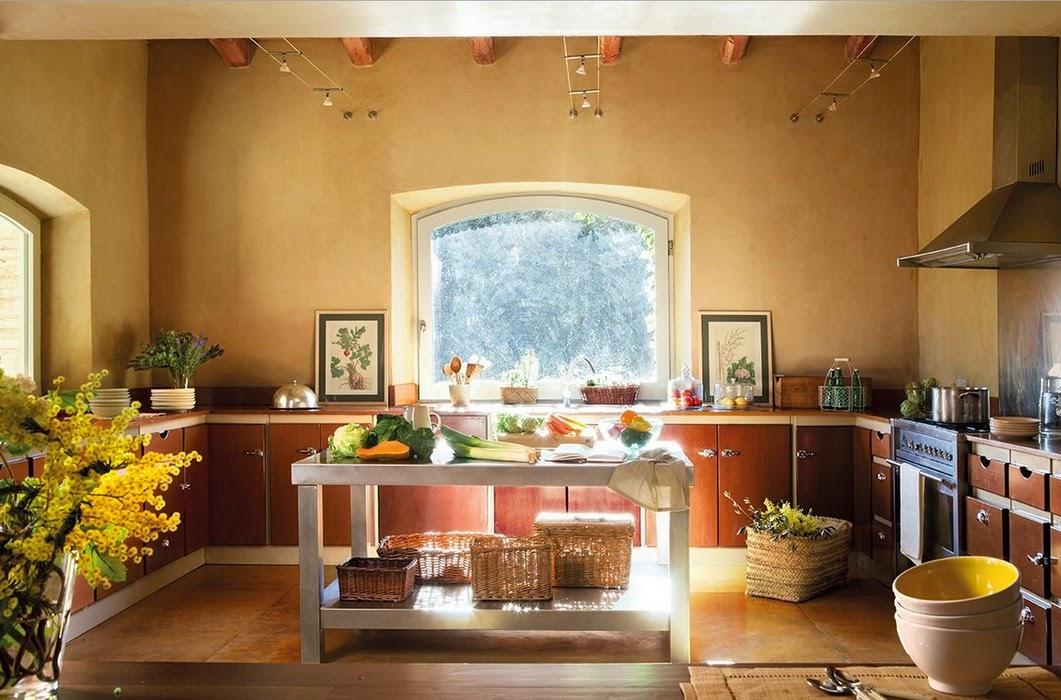Lovely deco une jolie maison aux teintes vert olive for Jolie maison decoration