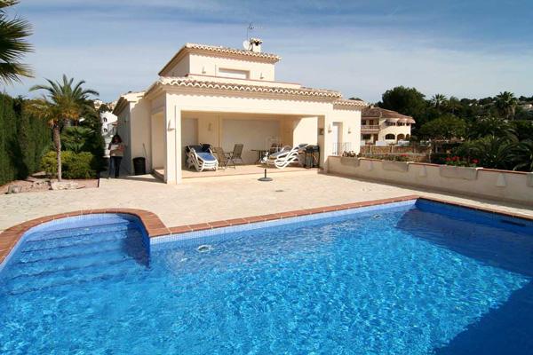 Locations vacances en espagne s jours en villas et for Maison a louer avec piscine en espagne