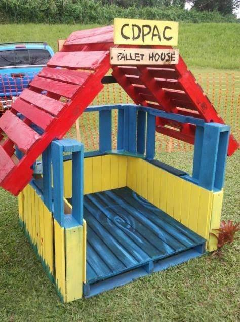 Artistic land play house out of old wood pallets for How to make a playhouse out of wood