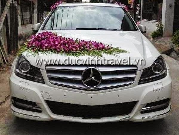 Cho thuê xe cưới Mercedes E250 hạng sang 1