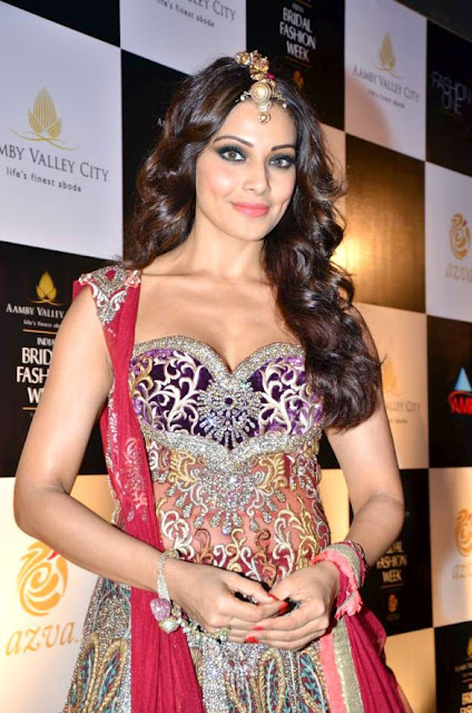 Photos: Bipasha Basu at Aamby Valley India Bridal Fashion Week