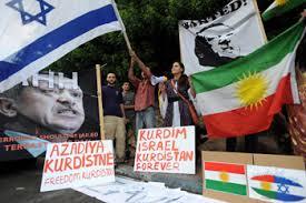 orang melakukan aksi demonstrasi menuntut pengunduran PM Erdogan di ...