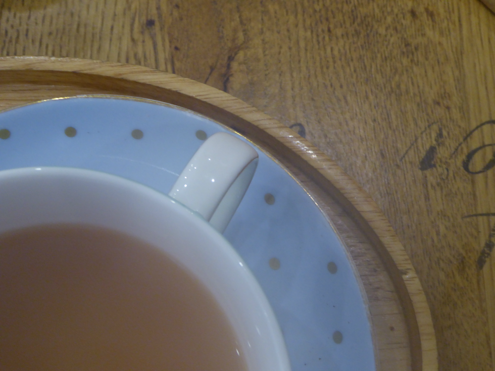 Aberdeen bloggers meet: cup of tea and spotty saucer