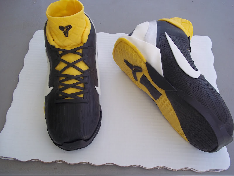 Violets Custom Cakes Kobe 7 Basketball Shoe Cake