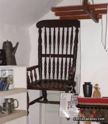 Sumahan Kerusi Antik Pembawa Maut