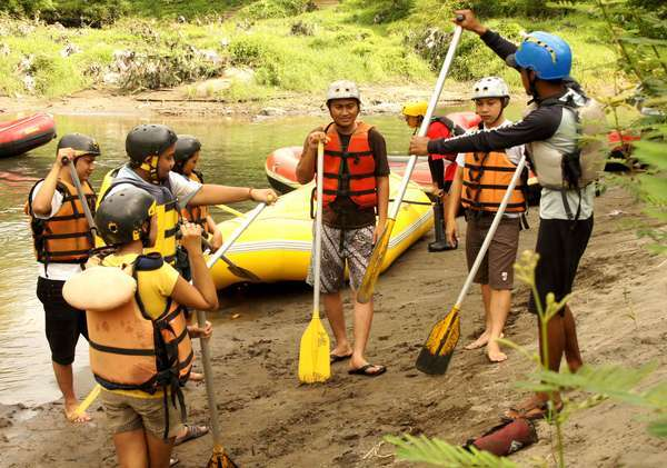 5 Tips Berwisata Adrenalin