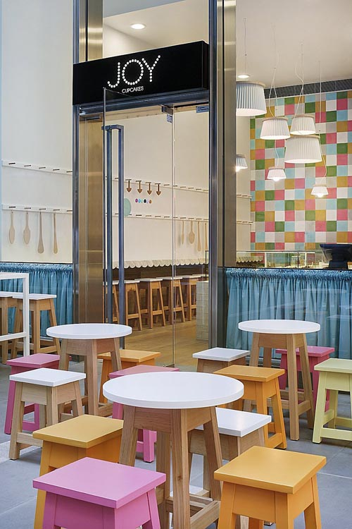 Cool Lighting 'Cupcake' Cafe Design Ideas