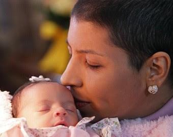 Simone Calixto e seu bebê (foto: Epitácio Pessoa/AE)
