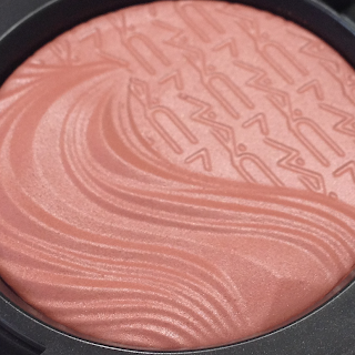 MAc Extra Dimension Blushes Fiery Impact