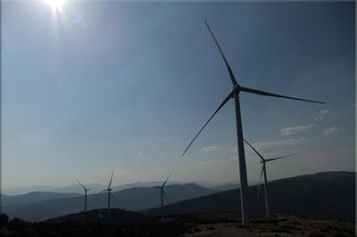 Un Parque eólico recorre el sur de la Sierra Badaia