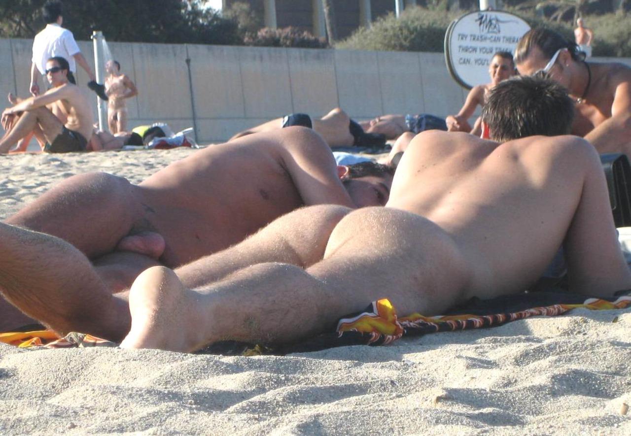 Секс на на пляже нудистов фото 20 фотография