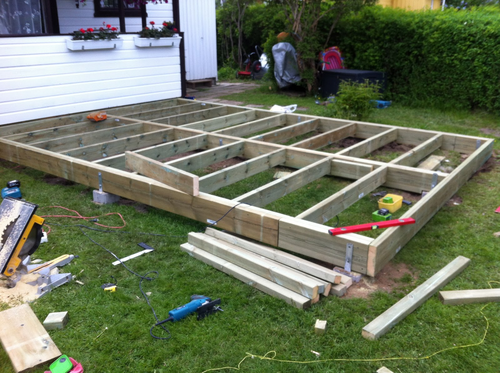 Life is great building a terrace patio for 16x16 deck cost
