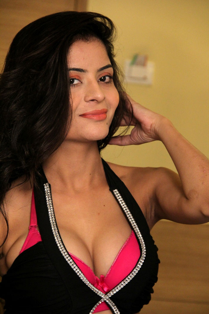 tamil hot actress gehna vasist latest hot photo shoot photos stills