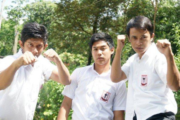 remaja-sekolah-gaduh