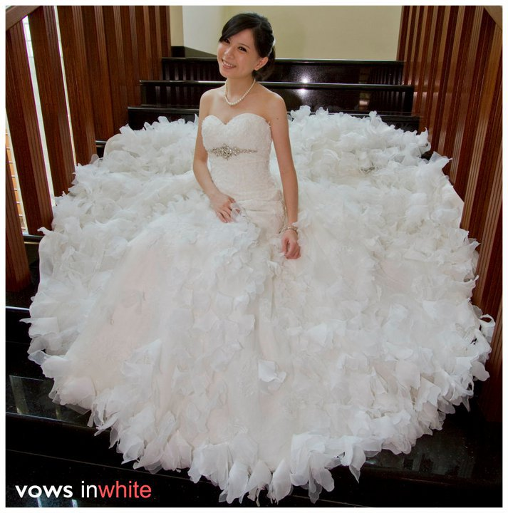 Vows nWhite 大日子: Beautifully crafted Wedding Dress