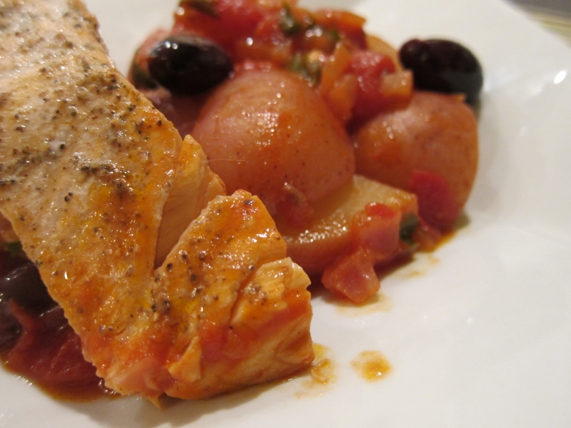 sauce salmon and potatoes in tomato salmon and potatoes in tomato this ...