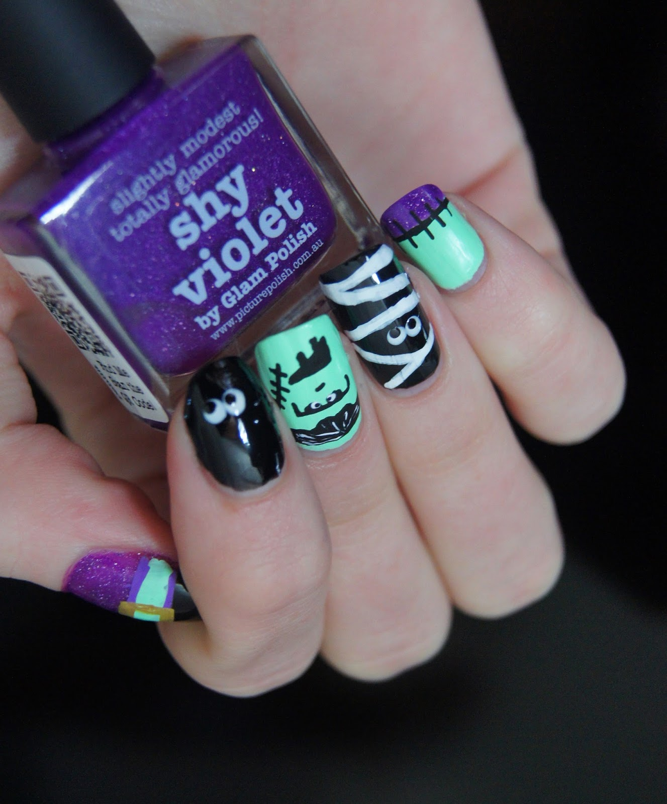nail art facile halloween