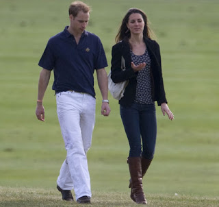 Prince William Wedding News: Prince William and Kate Middleton relax in build-up to ceremony