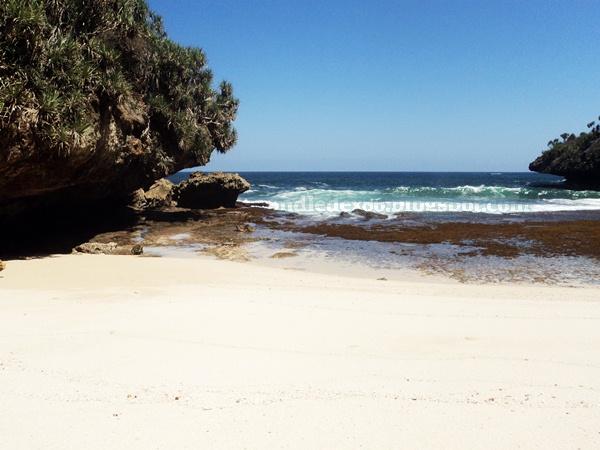 Pantai Dadapan Pasir