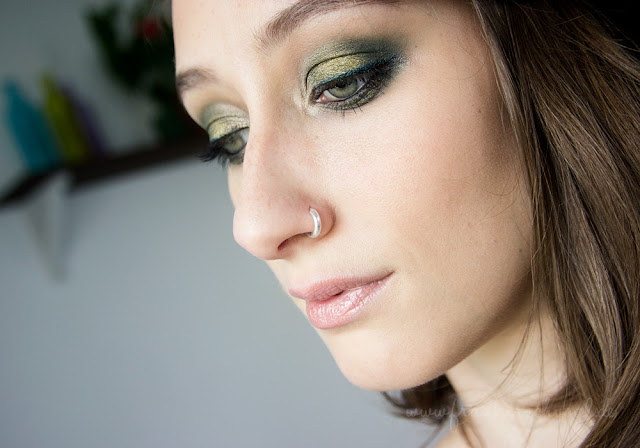 green smokey eye look